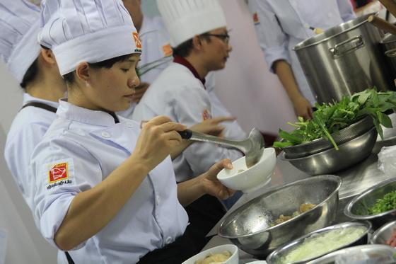 Người Đầu Bếp Cần Trang Bị Kiến Thức Về Ẩm Thực