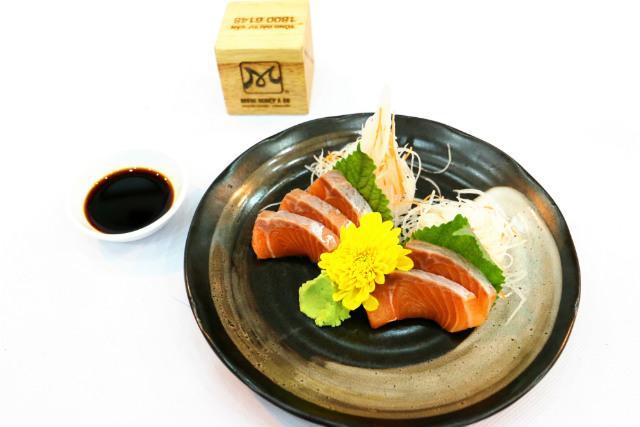 món sake sashimi