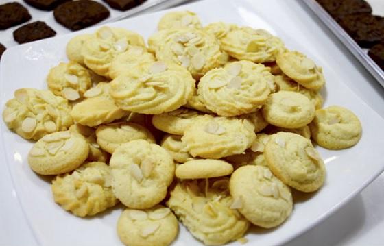 Bánh Cookies vị hạnh nhân