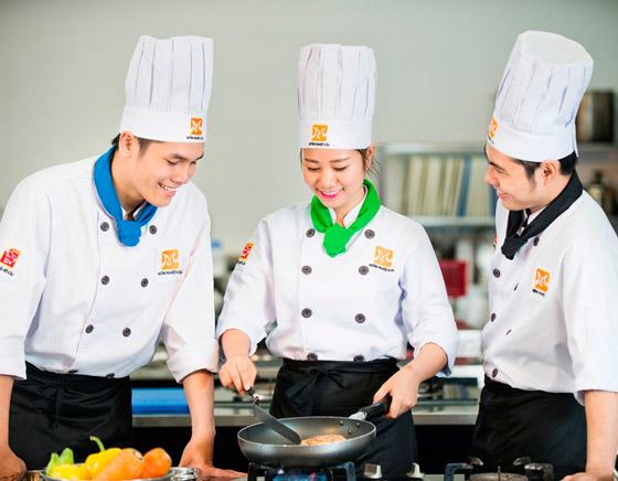 học bếp trưởng điều hành tại TPHCM