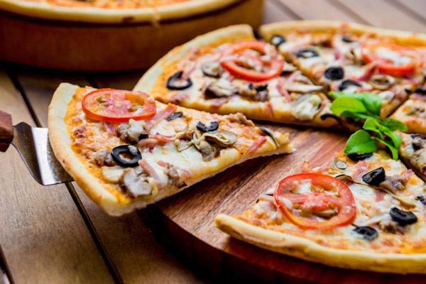 Pizza chuẩn người ý