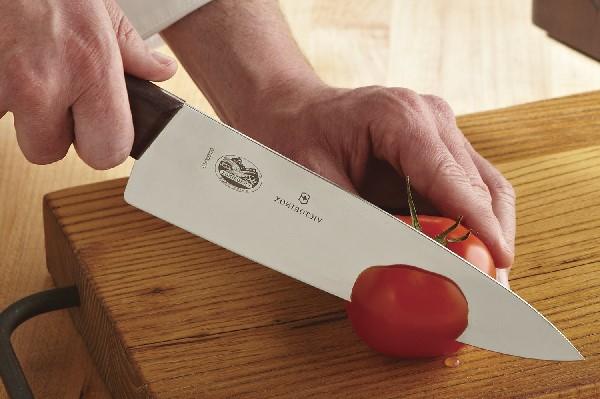 Cách dùng dao đầu bếp
