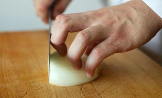 Cầm dao nấu bếp - Kỹ năng cơ bản nhất