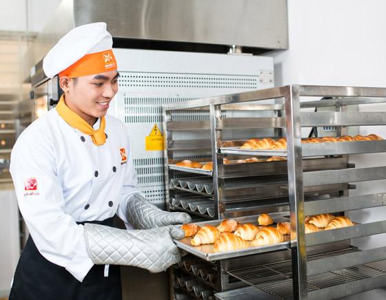 học làm bánh mì