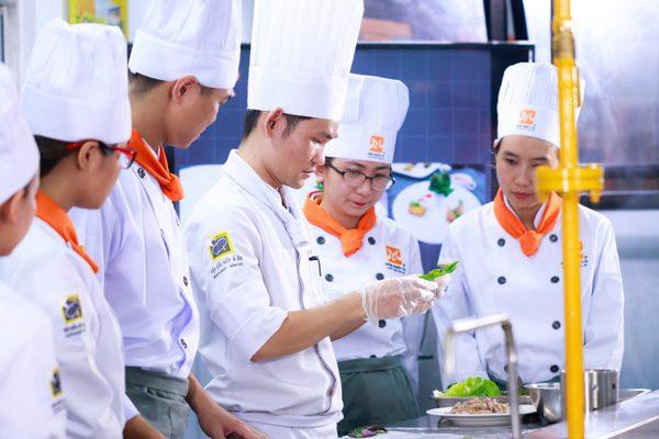 Học Nghề Đầu Bếp Để Mở Quán Kinh Doanh Hiệu Quả
