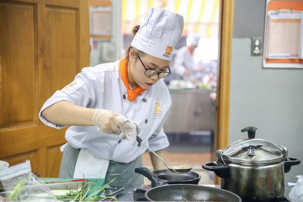 Nữ có tính cách phù hợp với nghề đầu bếp