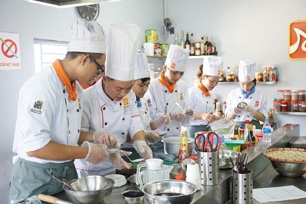 nhiều vị trí việc làm nghề bếp thích hợp sinh viên