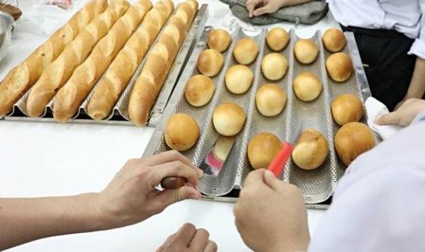 Kinh doanh mở lò bánh mì