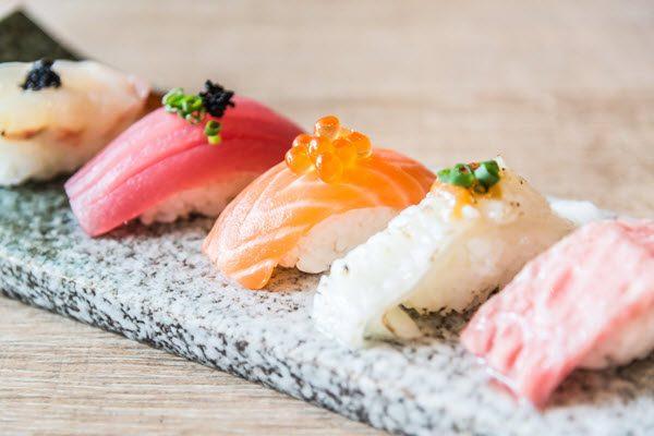 Món sushi tại một nhà hàng ở Tokyo