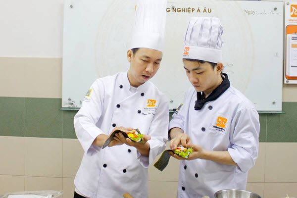 Có nên học nghề bếp?
