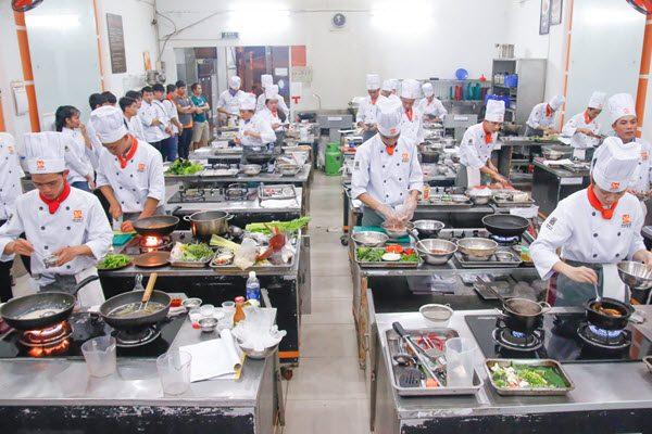 Học nghề đầu bếp mở ra nhiều hướng
