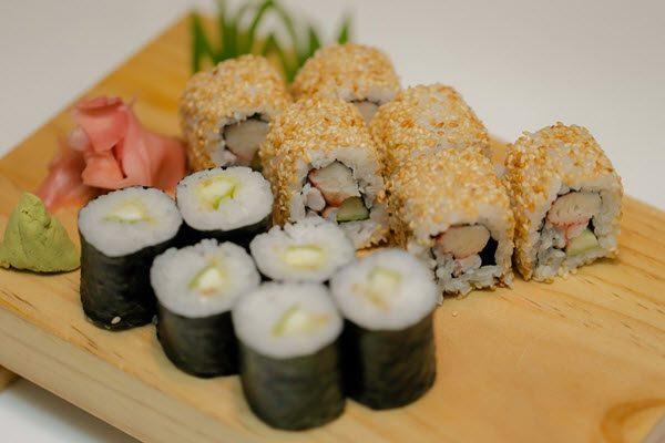 Cách làm sushi của những đầu bếp sushi chuyên nghiệp