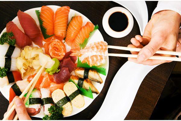 Thưởng thức sushi trọn vị