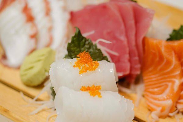 Món sushi ngon