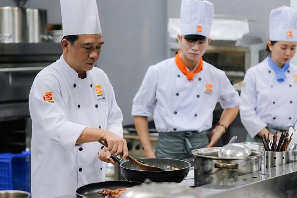 Học Bếp Âu Căn Bản Có Khó Không?