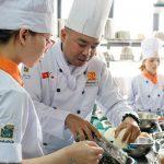 Học Nghiệp vụ bếp Á ở đâu