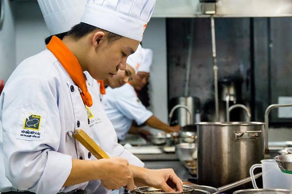 Sự Khác Biệt Giữa Bếp Việt Và Bếp Á