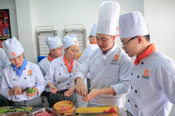 lớp học bếp Nhật