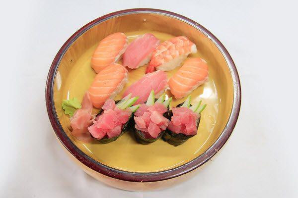 Món Sushi