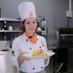 Ribi Sachi trải nghiệm bếp trưởng điều hành