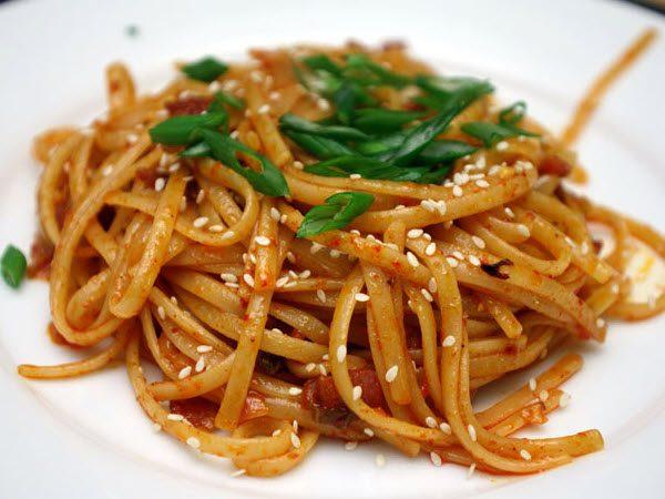 Spaghetti kimchi
