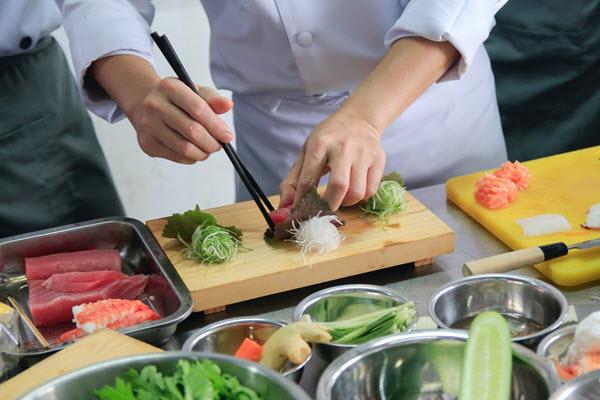 Học Nấu Món Nhật Chuyên Nghiệp