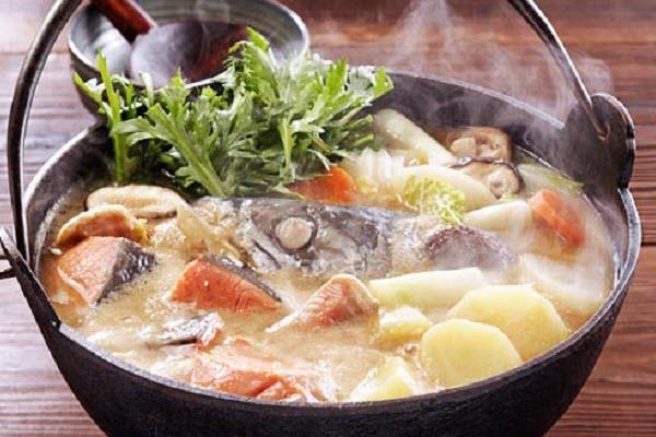 Cá mú đỏ nấu ngót
