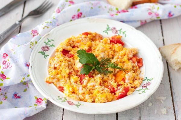 Món trứng xốt cà chua