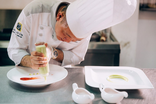 mức lương đầu bếp ở Việt Nam
