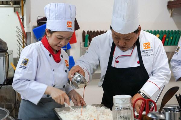 bí quyết nấu cơm tấm