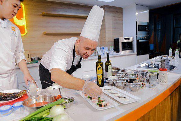 Trải Nghiệm Ẩm Thực Trung Đông Cùng Đầu Bếp Israel – Alon Lipinsky