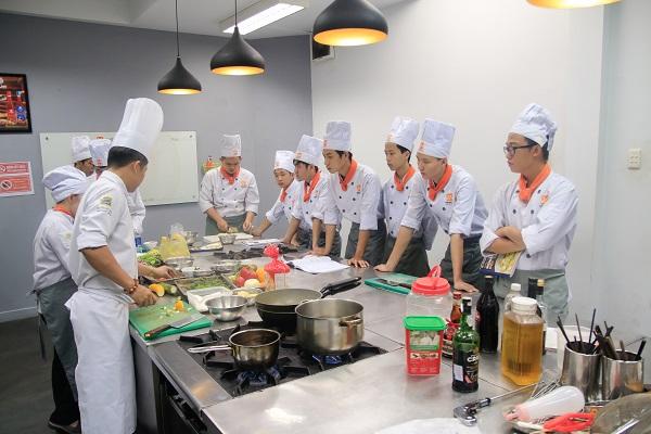 Nghề bếp phù hợp với bộ đội
