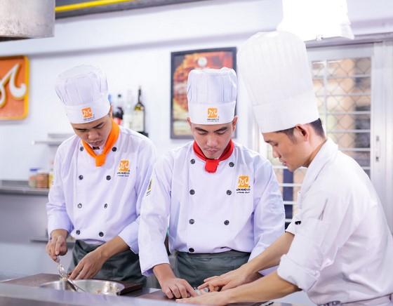 học bếp trưởng điều hành