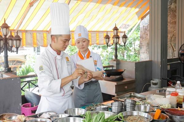 Học nấu ăn để mở quán lẩu