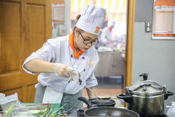 Con gái theo đuổi nghề bếp