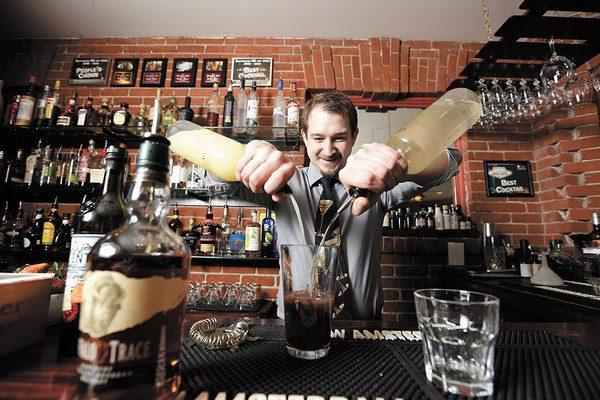 học bartender có khó không?