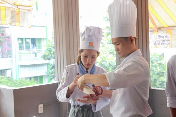 Lớp học làm bánh cuốn