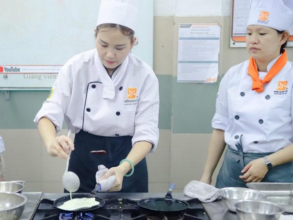 Lớp học đổ bánh xèo