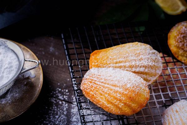 Bánh Madeleine