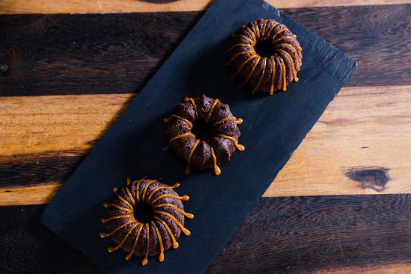 Caramel walnut brownies