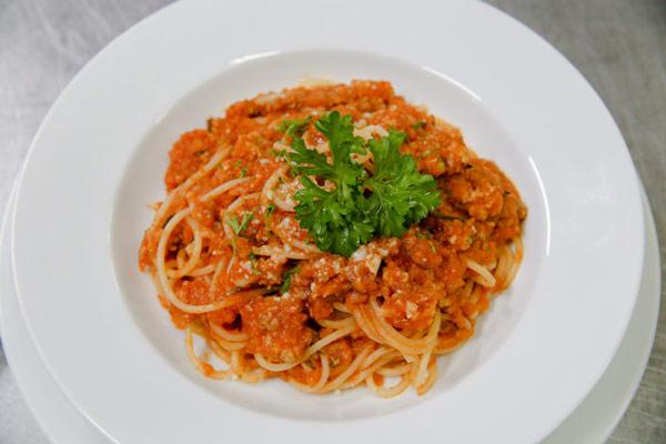 Mỳ ý sốt cà chua thịt bằm