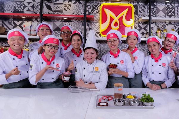 Lớp học quản lý bếp bánh