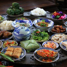 Ẩm Thực Tết Việt Nam Ba Miền Và Cách Sắp Xếp Mâm Cơm Ngày Tết