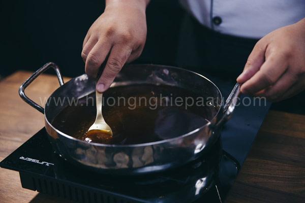 Nấu nước đường lữa nhỏ