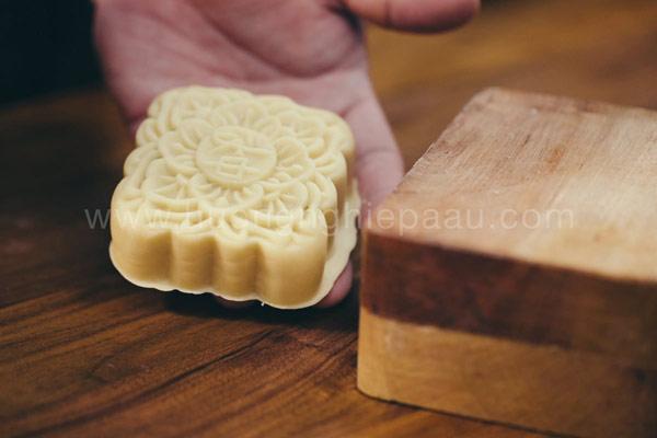Tạo hình bánh Trung thu