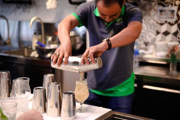 Thực hành pha trà sữa