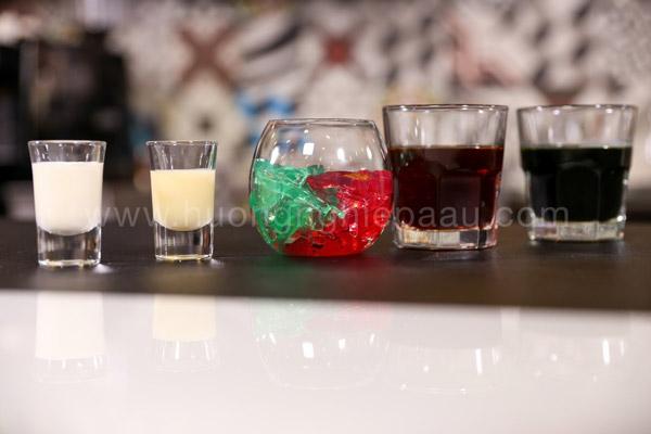 Các thành phần trà sữa Thái đỏ