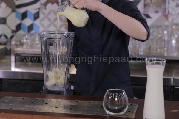 Cách xay sinh tố chuối oreo