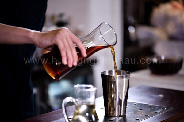 Hồng trà sau khi pha có màu đỏ nâu