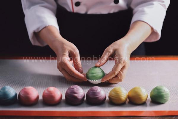 Tạo hình cho bánh ngàn lớp kiểu Nhật